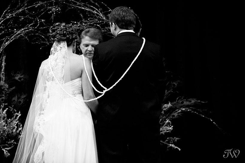 lazo-ceremony-calgary-zoo-weddings