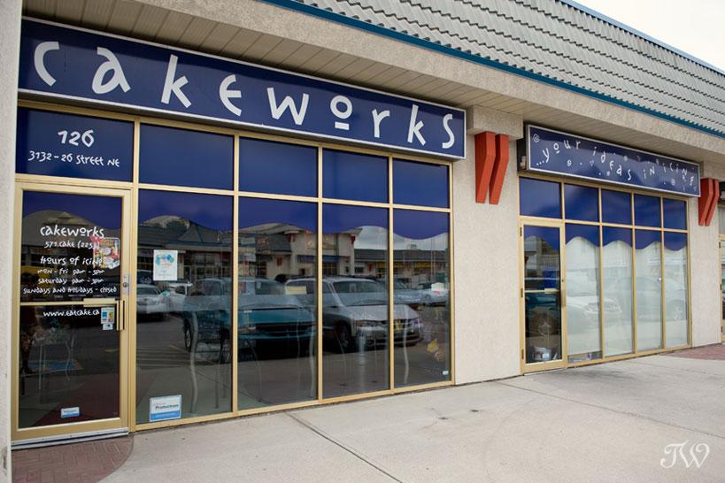 vintage-wedding-cake-Cakeworks-Tara-Whittaker-02