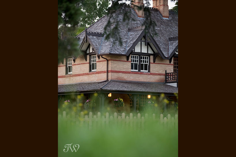 Bow-Valley-Ranche-wedding-photographs-historic-house