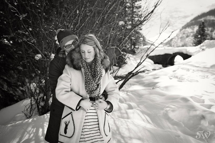 lake-louise-engagement-pictures-hudson-bay-blanket-10