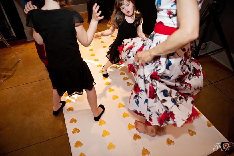 pop-up-wedding-photographs-a-vintage-affair-first-dance-22