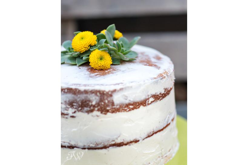 modern-wedding-cakes-naked-cake-succulents-Tara-Whittaker-Photography-01