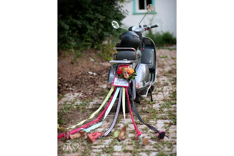 wedding-car-decor-Tara-Whittaker-Photography-03