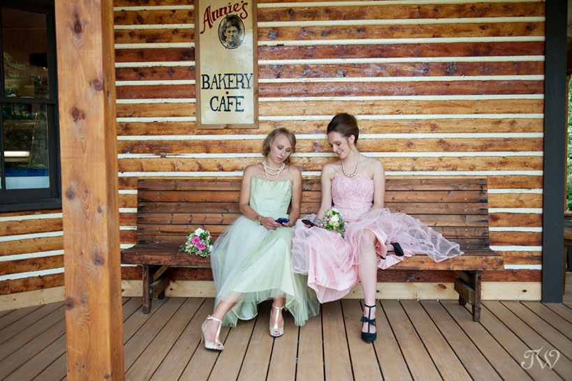 vintage-bridesmaids-Calgary-wedding-photographer-09