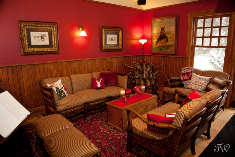 christmas-decorating-bow-valley-ranche-restaurant-07