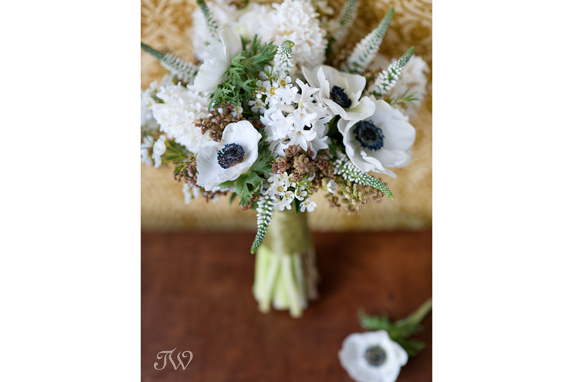 spring-bridal-bouquets-Tara-Whittaker-Photography-01