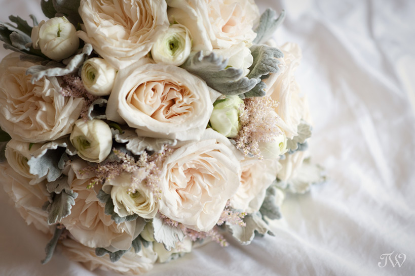 spring-bridal-bouquets-Tara-Whittaker-Photography-02