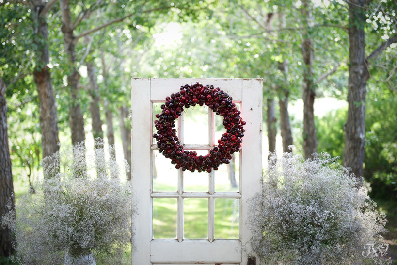 wreath made of cherries red wedding ideas