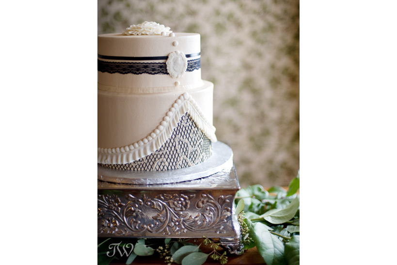wedding-cake-ideas-Tara-Whittaker-Photography