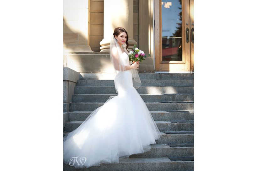 yyc wedding photographers bride on a grand staircase