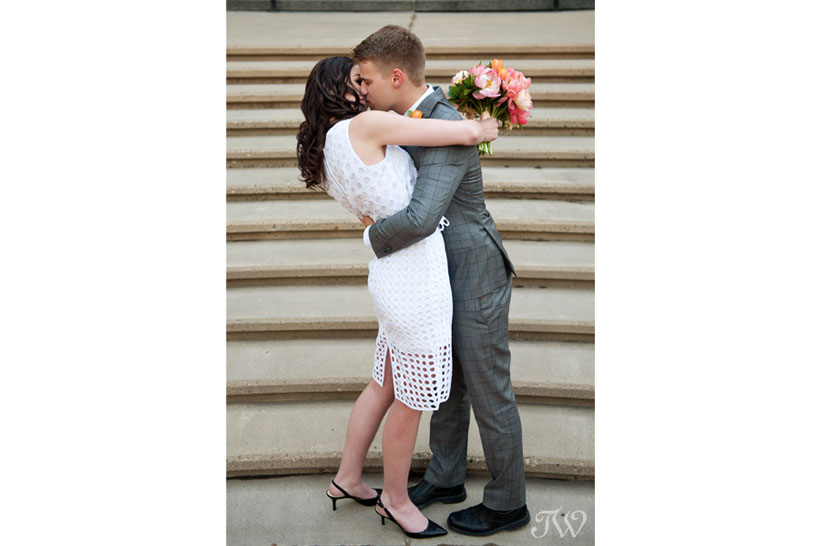 just married kiss captured by Tara Whittaker Photography