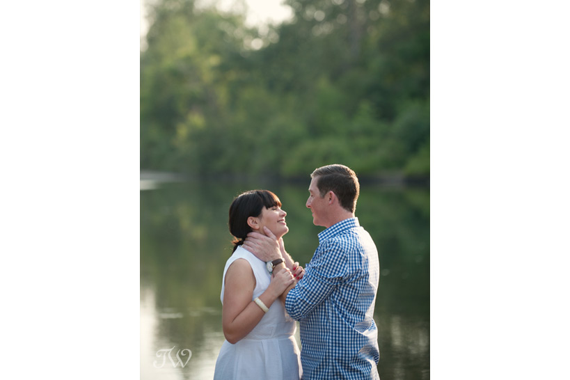 summer engagement session captured by Tara Whittaker Photography