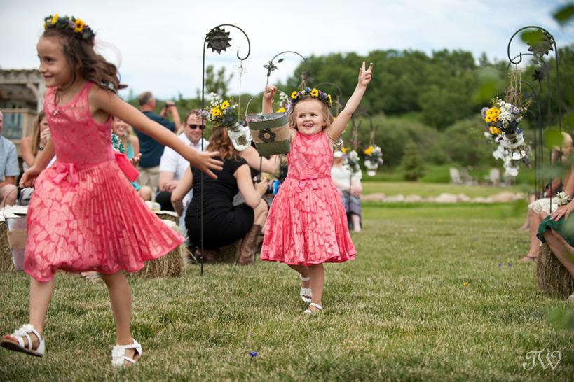 flower girls at ranch wedding captured by Tara Whittaker Photography