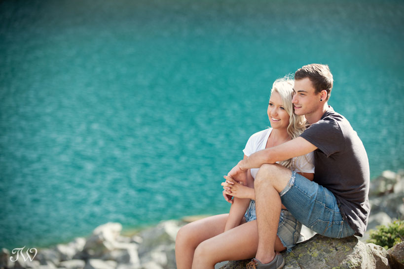 engagement photos at Lake Agnes captured by Tara Whittaker Photography