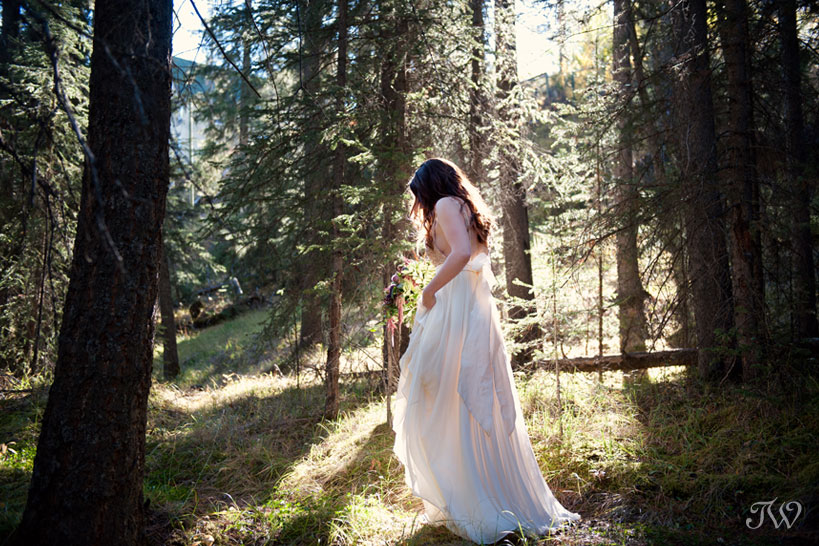 Truvelle bridal gown captured by Tara Whittaker Photography