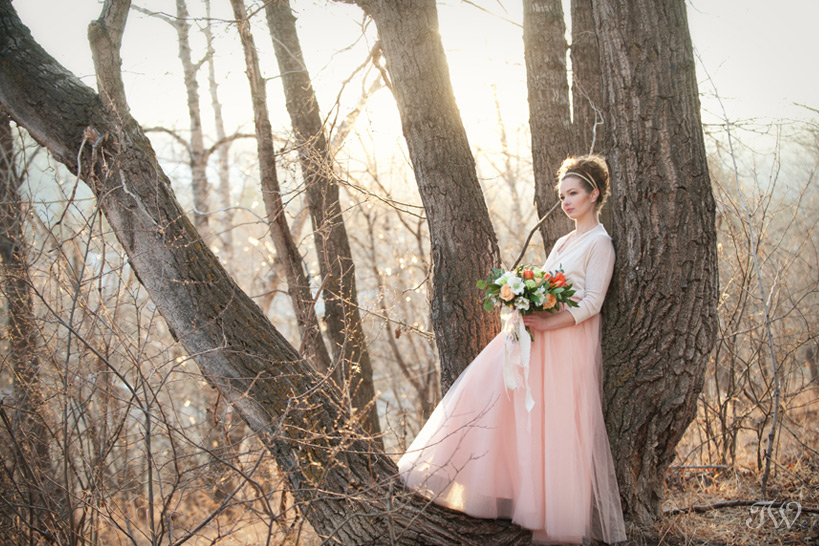 bride wearing a tulle skirt captured by Calgary wedding photographer Tara Whittaker