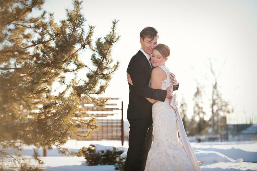 winter wedding photos at SAIT captured by Tara Whittaker Photography