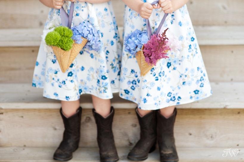 flower girl ideas captured by Calgary wedding photographer Tara Whittaker