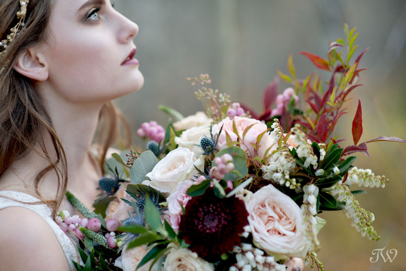 bohemian bride carries a fall bouquet from Flowers by Janie captured by Tara Whittaker Photography
