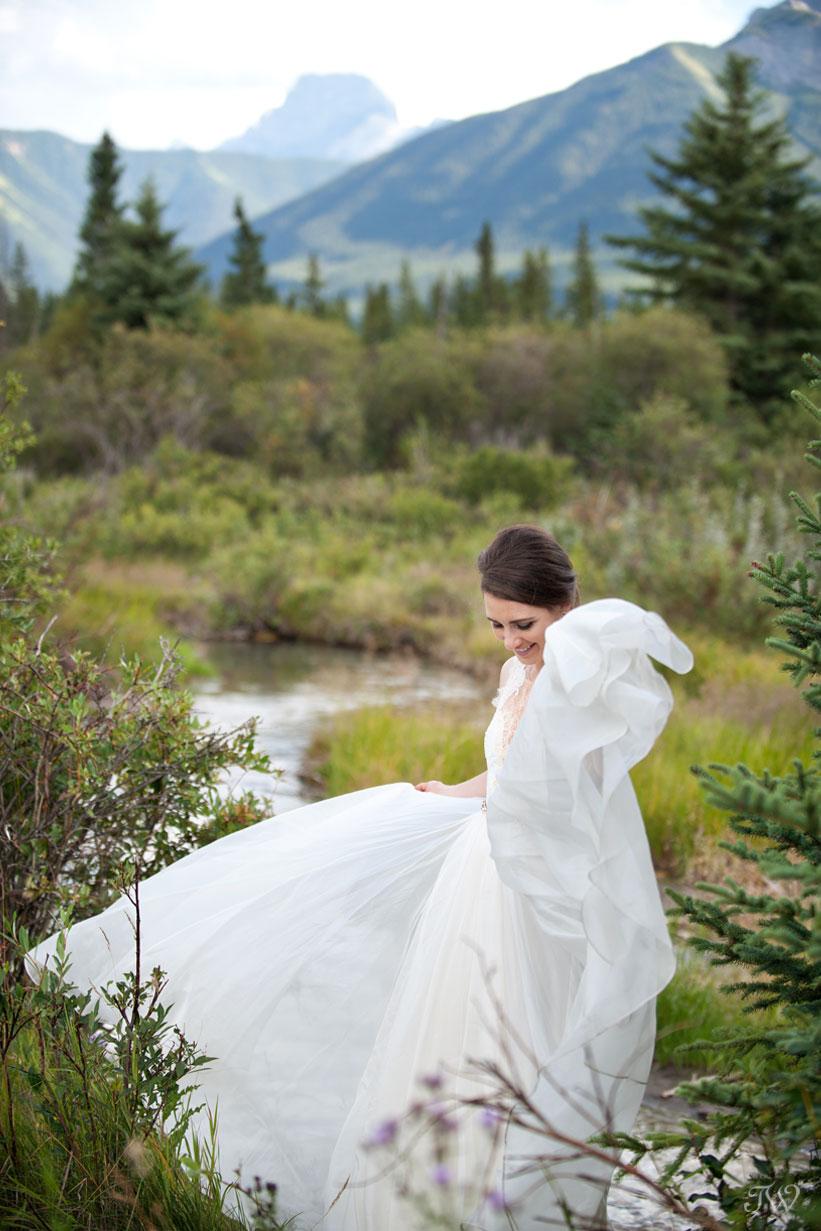 bride wearing Leanne Marshall gown captured by Calgary wedding photographer Tara Whittaker