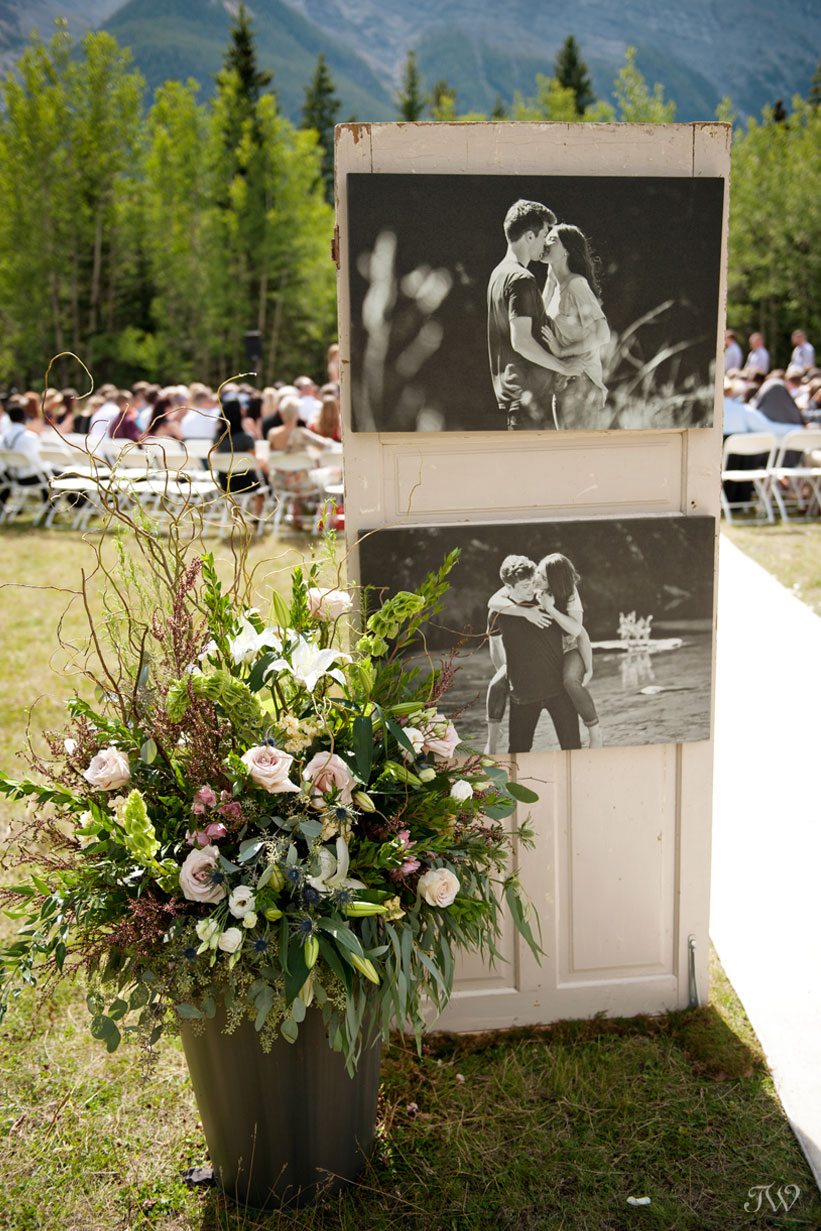 ceremony decor at Rundleview Parkette captured by Calgary wedding photographer Tara Whittaker