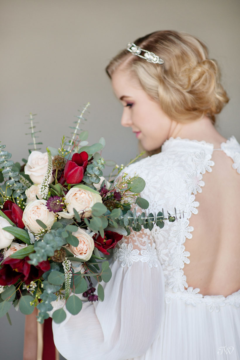 2016 bridal bouquet for a winter bride captured by Tara Whittaker Photography