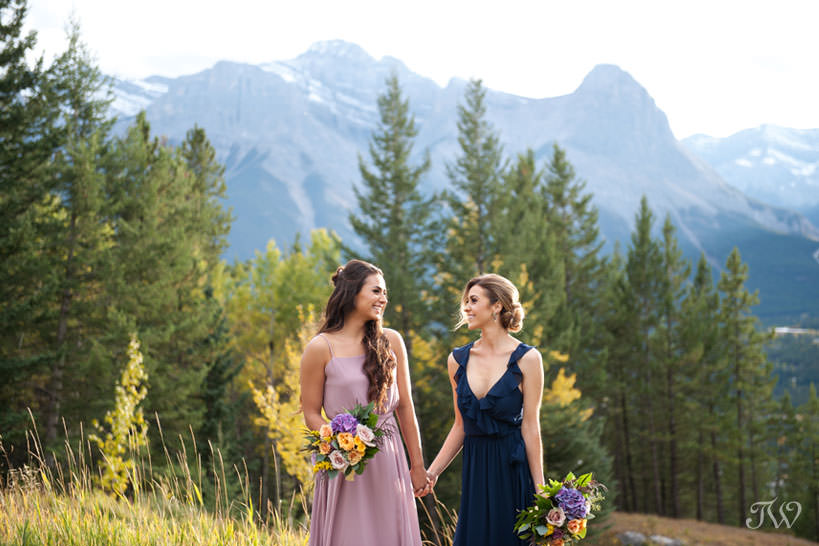 bridesmaids in Canmore at a Silvertip wedding captured by Calgary wedding photographer Tara Whittaker