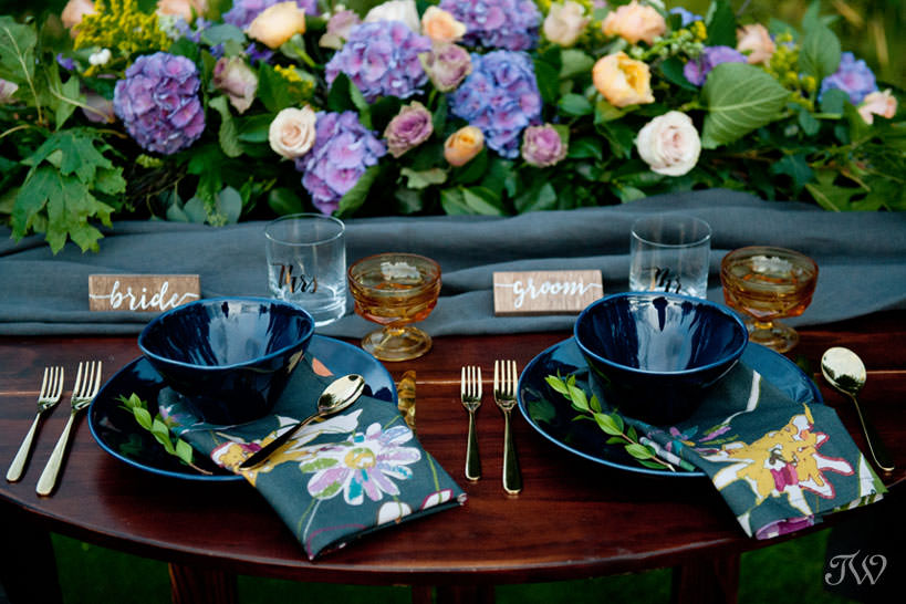 pretty tabletop at a Silvertip wedding captured by Calgary wedding photographer Tara Whittaker