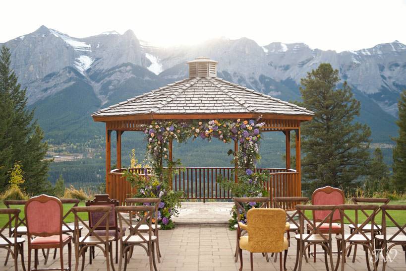Gazebo at Silvertip Resort mountain wedding locations captured by Tara Whittaker Photography