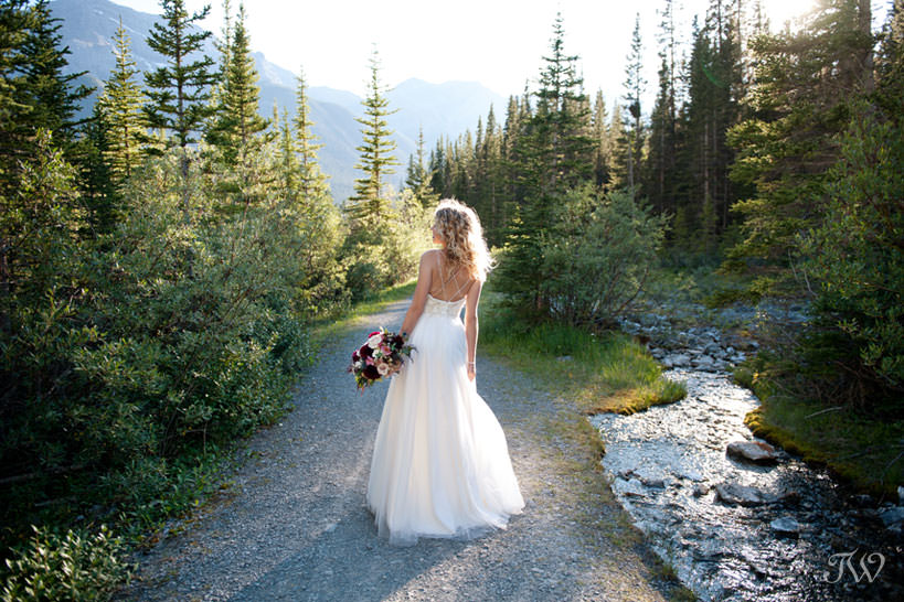 Mountain bride at Goat Creek captured by Tara Whittaker Photography
