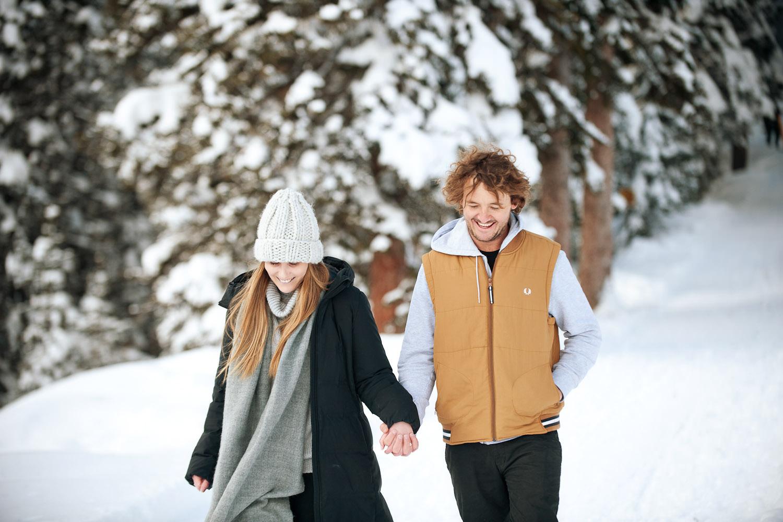 winter stroll at Lake Louise captured by Calgary wedding photographer Tara Whittaker