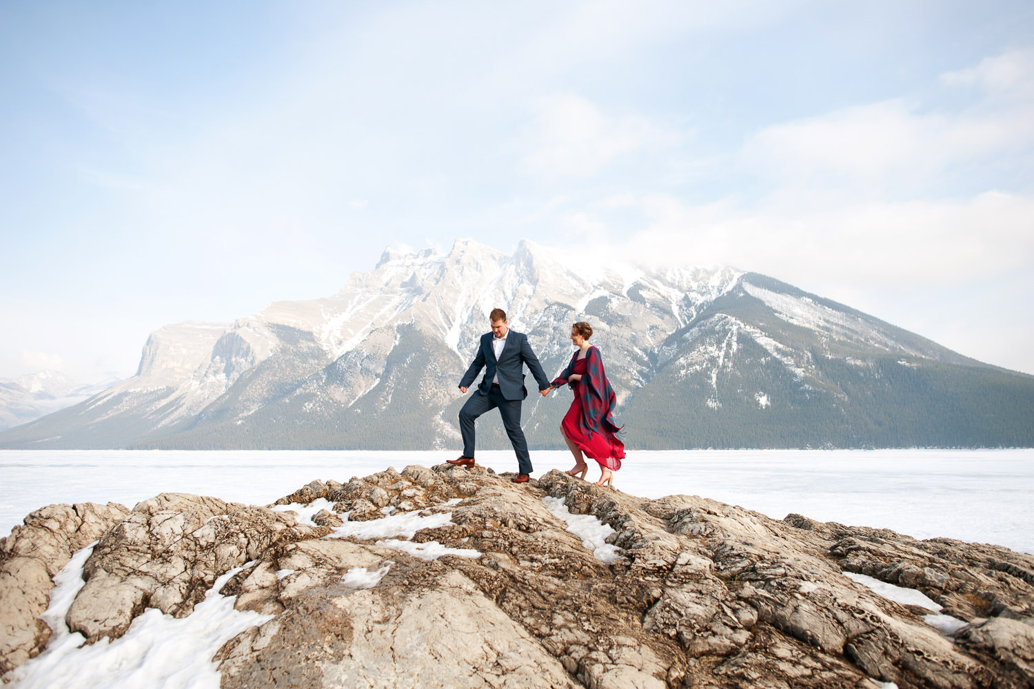 winter engagement session at Lake Minnewanka Calgary wedding photographer Tara Whittaker