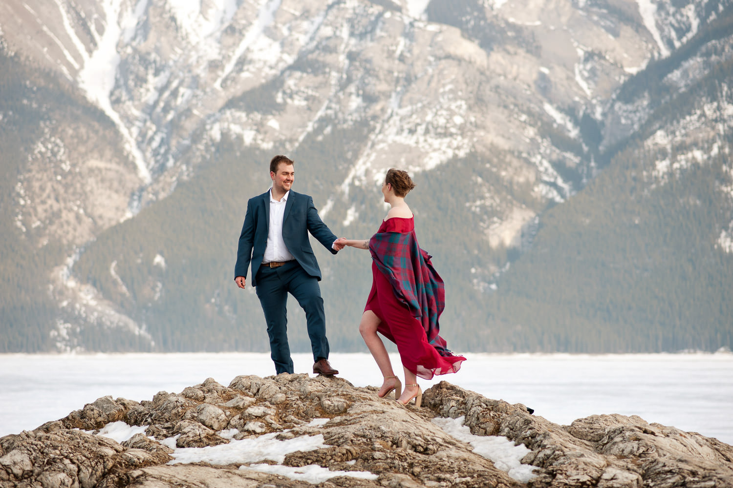 Lake Minnewanka engagement session in winter Calgary wedding photographer Tara Whittaker