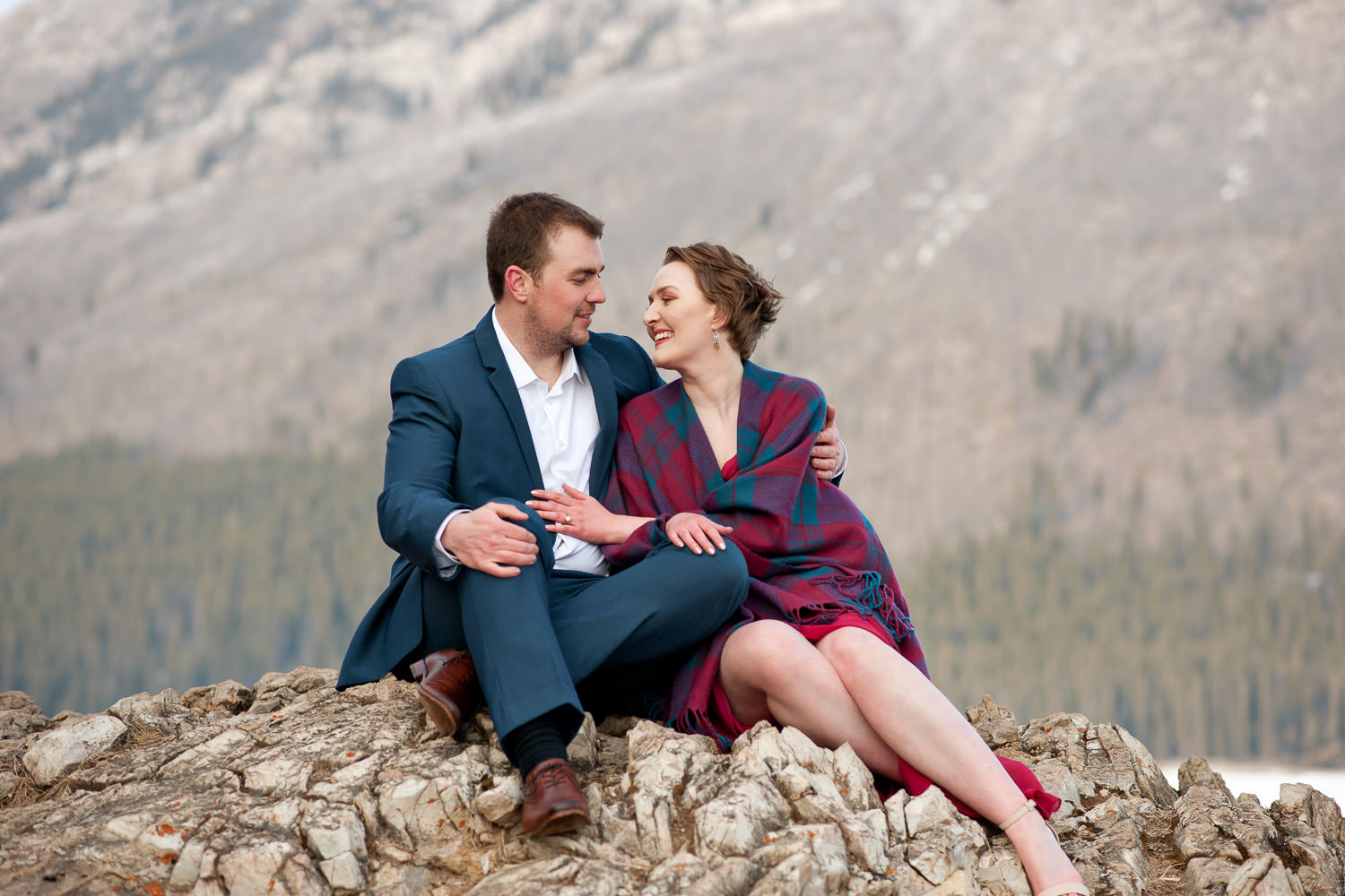 Engagement shoot at Lake Minnewanka Calgary wedding photographer Tara Whittaker