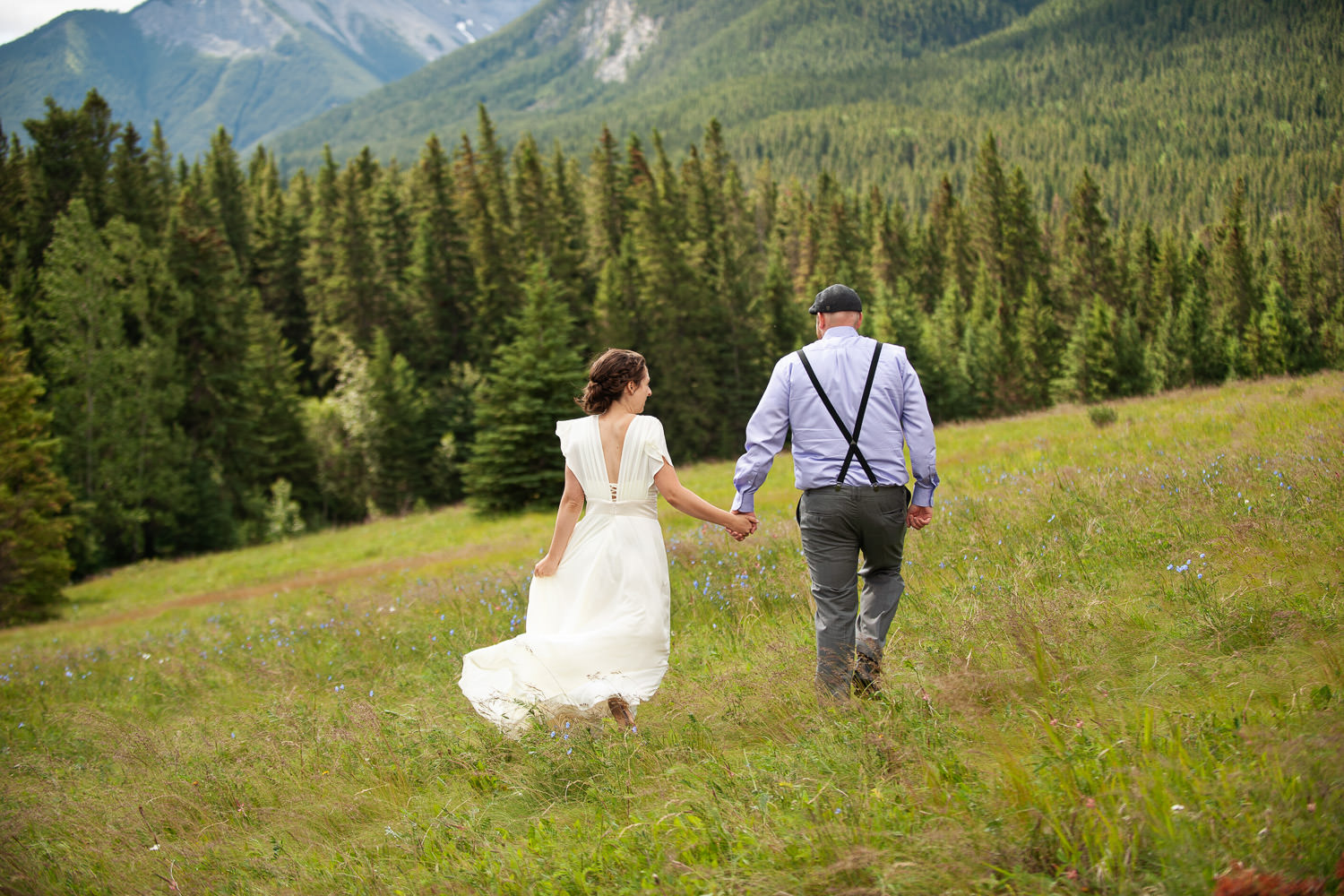 couple at Quarry Lake wedding captured by Canmore wedding photographer Tara Whittaker