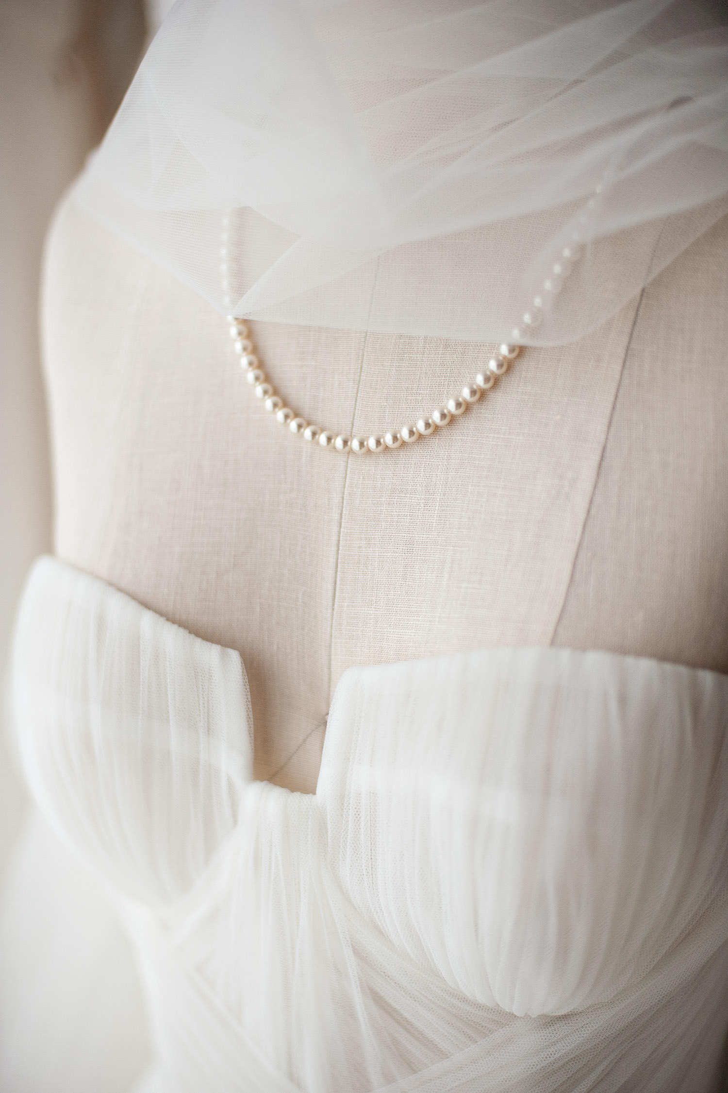 pearl bridal accessories from Joanna Bisley captured by Calgary wedding photographer Tara Whittaker