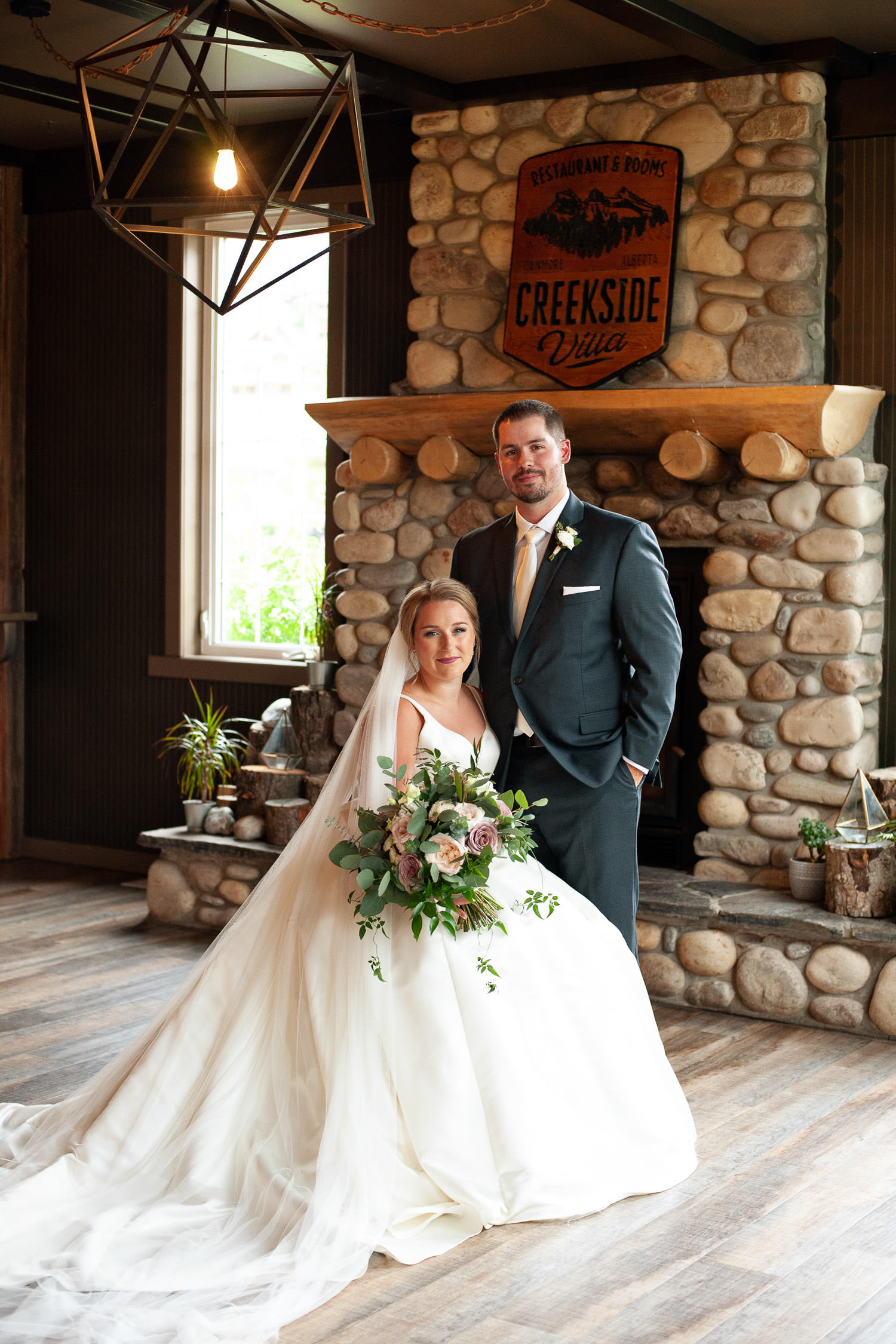 Wedding photo at Creekside Villa wedding captured by Tara Whittaker Photography