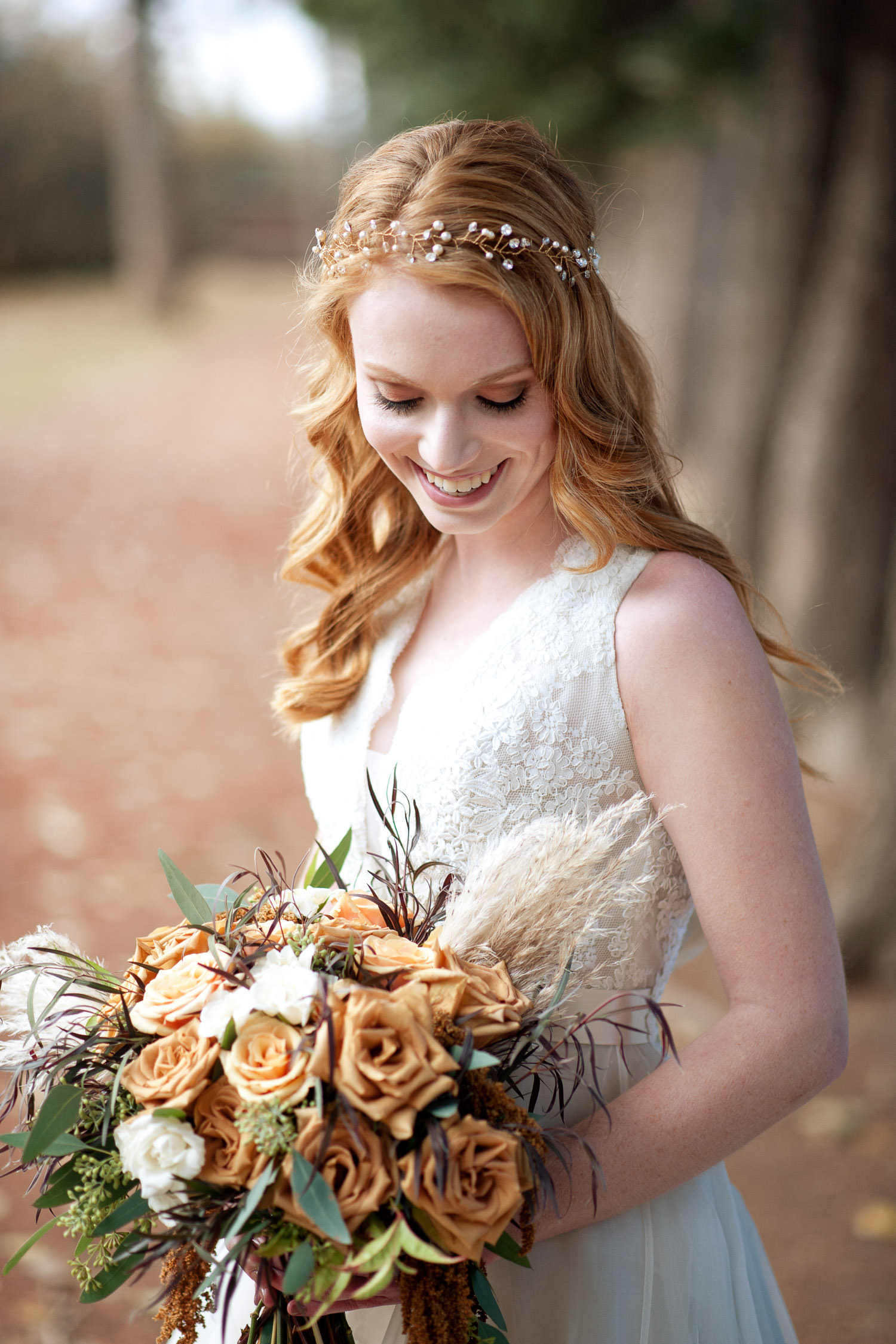 fall bridal bouquet ideas captured by Tara Whittaker Photography