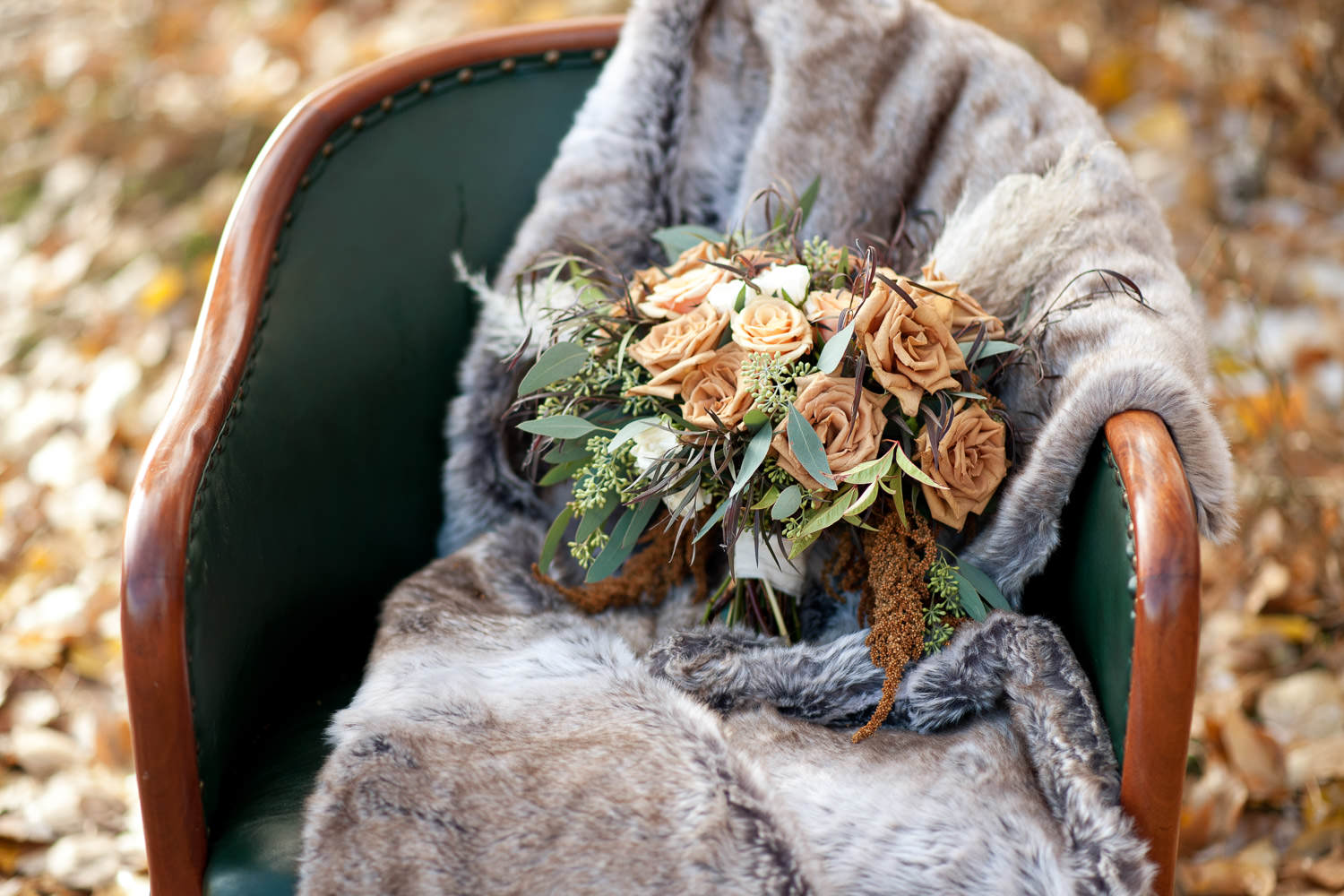 bouquet of toffee roses captured by Tara Whittaker Photography