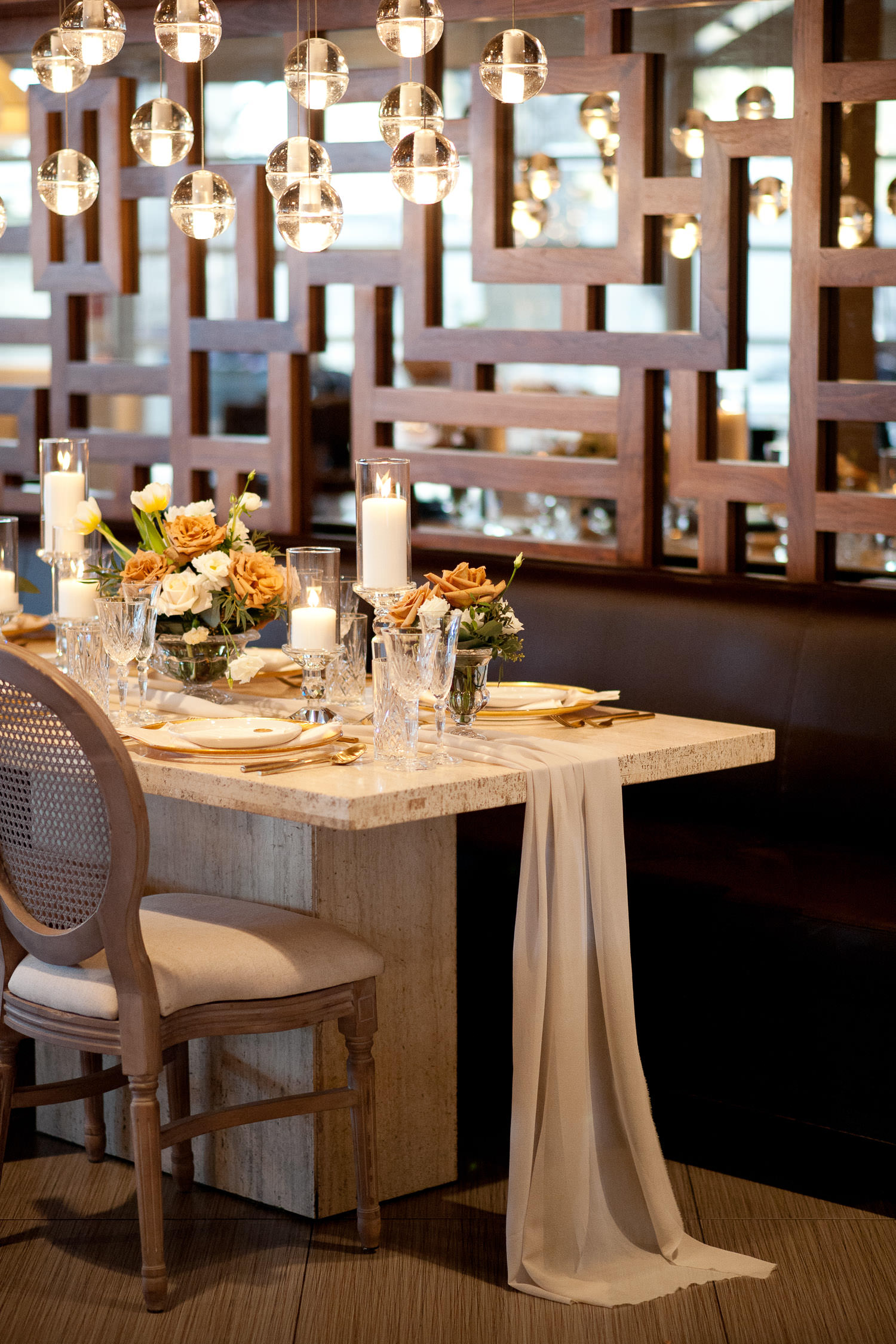 head table at Alloy Restaurant captured by Tara Whittaker Photography
