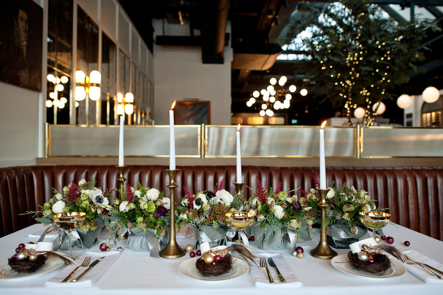 Holiday tabletop captured by Tara Whittaker Photography
